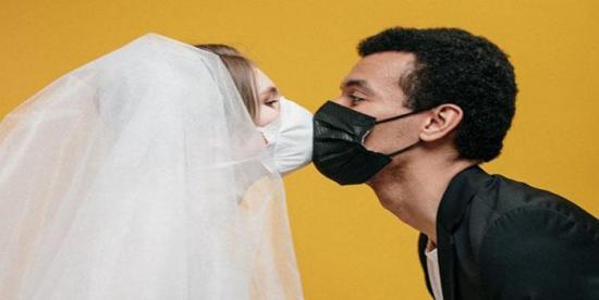 Los neoyorquinos podrán casarse ahora por Zoom u otras plataformas ante coronavirus