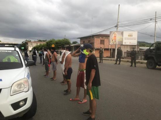 19 personas fueron detenidas en Calderón por violar toque de queda
