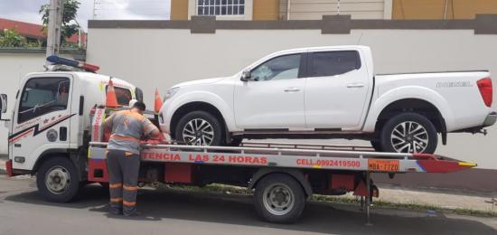 Hombre con Covid-19 viola aislamiento para buscar su carro