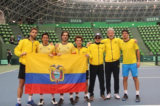 El capitán de Ecuador duda de que en noviembre vuelva la Copa Davis