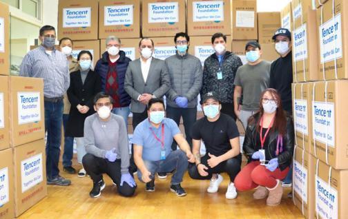 Empresa china dona a Ecuador 2,2 toneladas de mascarillas y trajes médicos