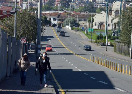 Ministra Romo: Ecuador sigue en aislamiento, pero analiza pasar al distanciamiento social