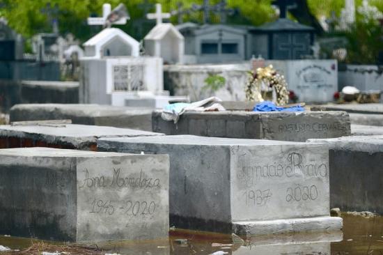 Guayaquil: Una mujer dada por muerta recupera la conciencia; Su familia tiene cenizas de otra persona