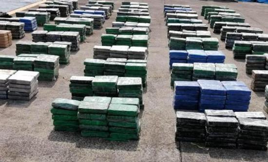 Panamá decomisa 1.425 paquetes de droga y detiene a 3 colombianos y hondureño