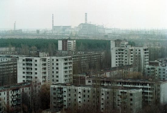 Ucrania conmemora el aniversario de la tragedia de Chernóbil en pleno incendio de la zona de exclusión