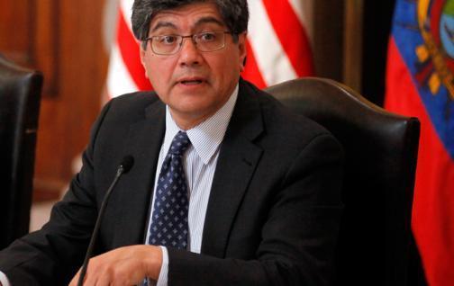 Ecuador suscribe acuerdo con ONG de EEUU para fortalecer su democracia