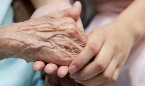 Casi el 50% de adultos mayores diagnosticados con Covid-19 en Manabí han fallecido