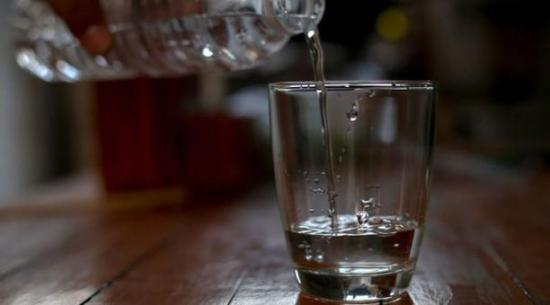 155 personas mueren por consumir alcohol adulterado en República Dominicana