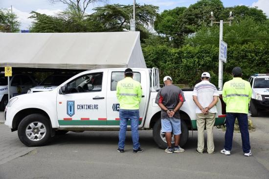 Descubren droga en una patrulla del Municipio de Portoviejo