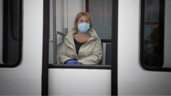 España obligará a usar mascarillas en el transporte público