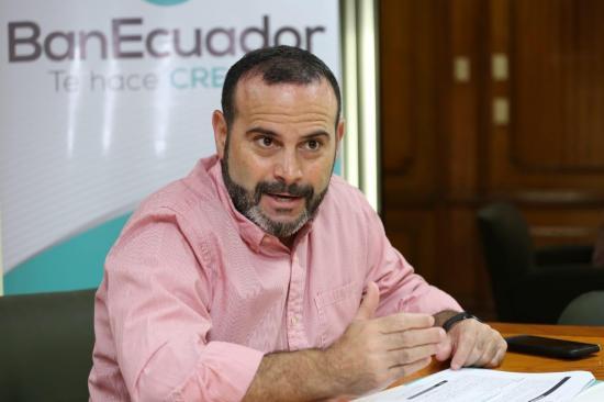Jorge Wated asume la presidencia del Directorio del IESS, en reemplazo de Paúl Granda