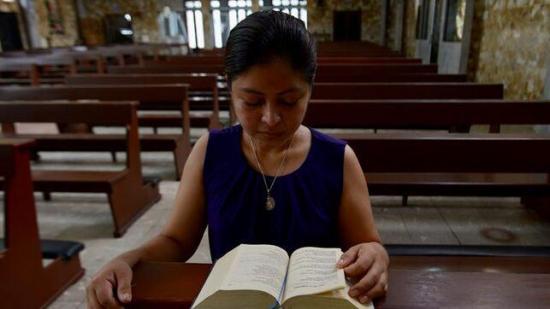 Fieles en Ecuador podrán orar 20 minutos en templos católicos a fin de mes
