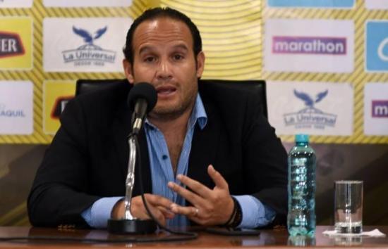 Fútbol de Ecuador en manos de la FIFA y la Conmebol por división entre directivos