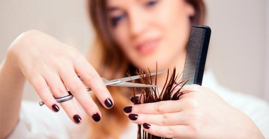 Mujer es sentenciada a una semana de cárcel por negarse a cerrar su peluquería por cuarentena