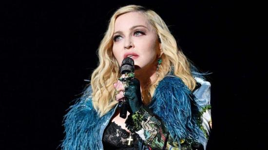 Almodóvar, Madonna y otros 200 artistas piden reinventar nuestro modo de vida