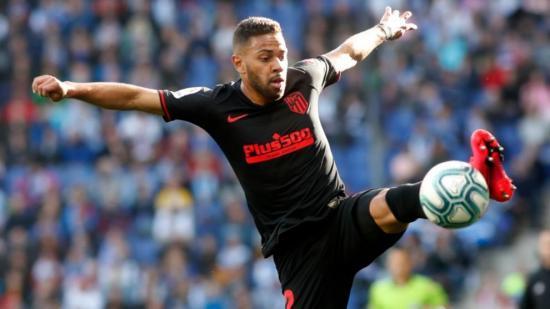 El futbolista Renan Lodi da positivo por coronavirus