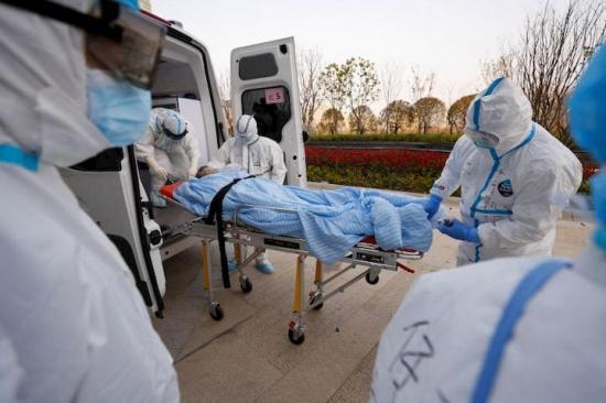 Hospital mexicano saturado alquiló camión refrigerador para muertos por COVID-19
