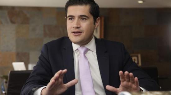 Sindicato de Ecuador pide archivar polémica ley y salida de ministro