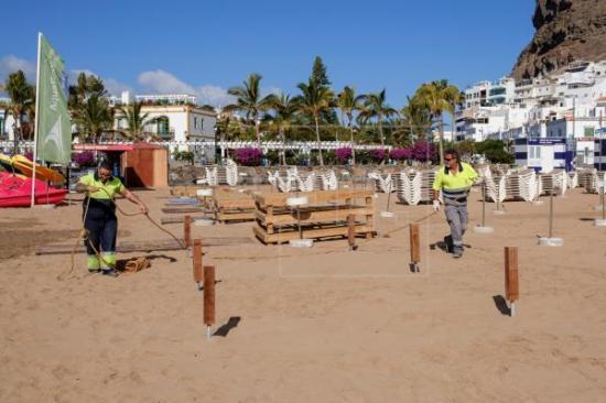 España estudia cómo salvar el turismo de playa sin riesgo para la salud