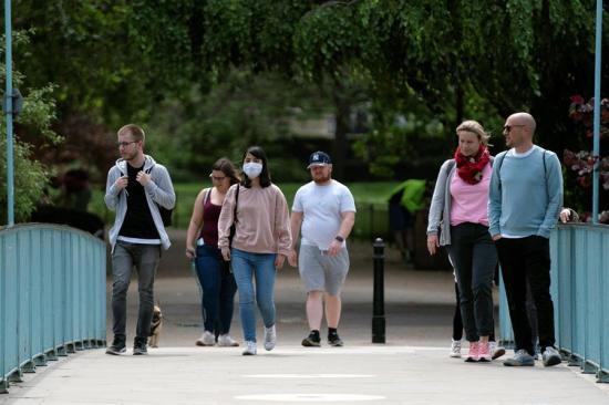 El Reino Unido supera los 32.000 muertos por COVID-19 al sumar 210 fallecidos