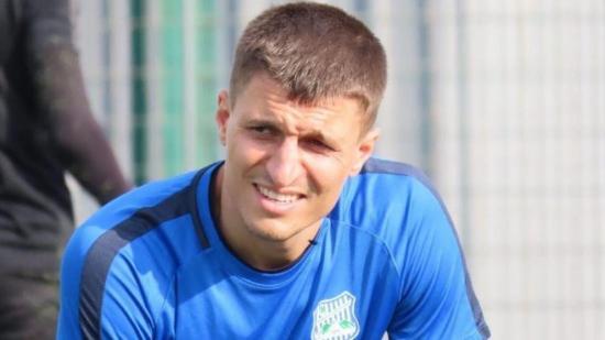 Futbolista turco asesinó a su hijo de 5 años, quien tenía síntomas de Covid-19