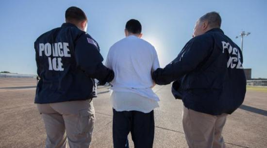 Muere un migrante que contrajo el Covid-19 en un centro de detención de EE.UU.