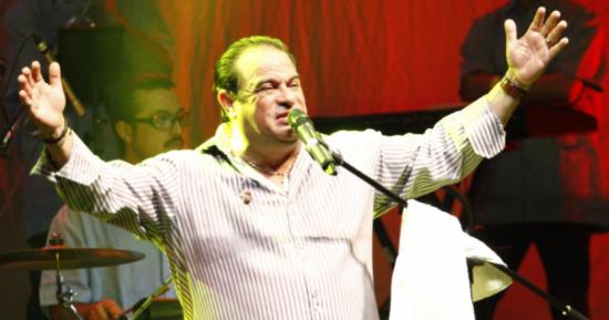 El salsero puertorriqueño Tony Vega se recupera tras ser operado del corazón