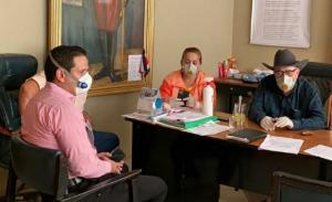 El alcalde de Santa Ana fue internado en el Hospital de Especialidades