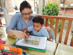 Diez unidades educativas de Manabí inician clases este lunes