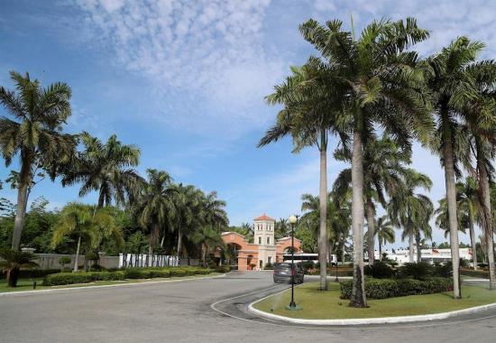 República Dominicana estará lista para reabrir el turismo en un mes