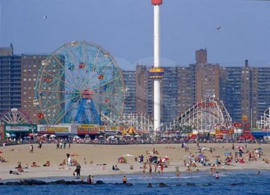 Nueva York reabrirá playas el 22 de mayo y muertes por virus vuelven a bajar