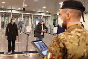 Italia reabre el lunes sus negocios y las fronteras con la UE en junio