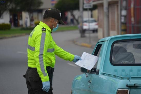 326 policías de Ecuador están contagiados con coronavirus Covid-19