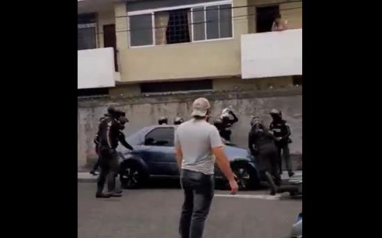 Conductor que arrolló a policías en Guayaquil fue detenido, transportaba cocaína