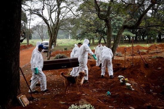 Brasil supera por primera vez los 1.000 muertos por COVID-19 en un solo día
