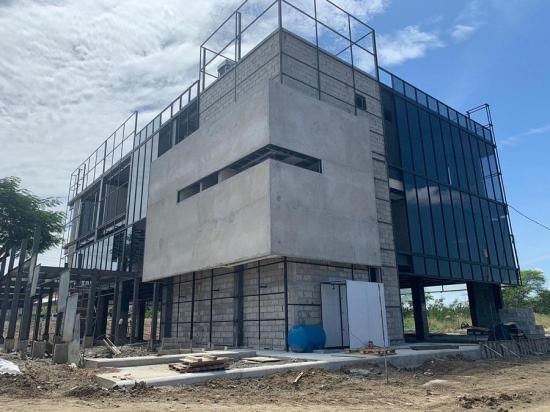 Hoy en Portoviejo se retoman los trabajos de 14 obras, entre ellos el edificio de Portovial