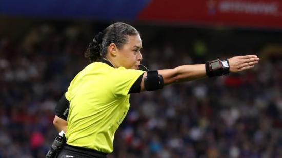 La FIFA programa cursos online para árbitros hasta que pueda hacer seminarios