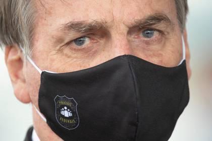Polémica reunión muestra poco interés de Bolsonaro por pandemia en Brasil