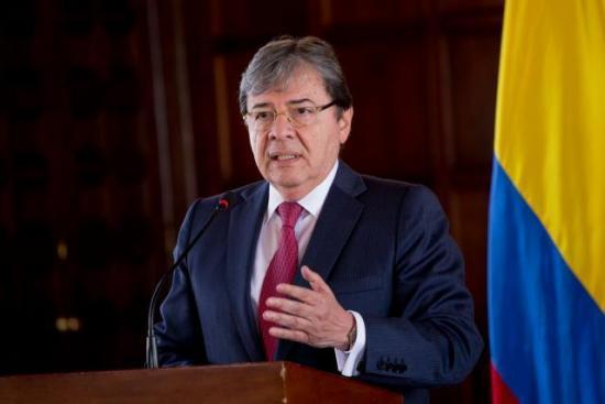 Ejército colombiano retira nueve oficiales en medio de corrupción y espionaje
