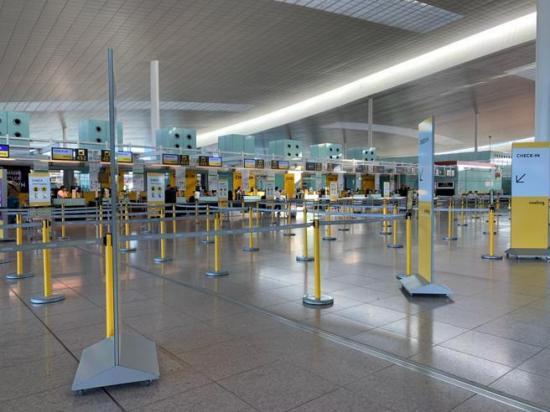 Los aeropuertos de Nueva York pierden el 97 % del tráfico y piden un rescate