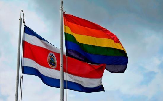 Costa Rica celebra el primer matrimonio igualitario de Centroamérica