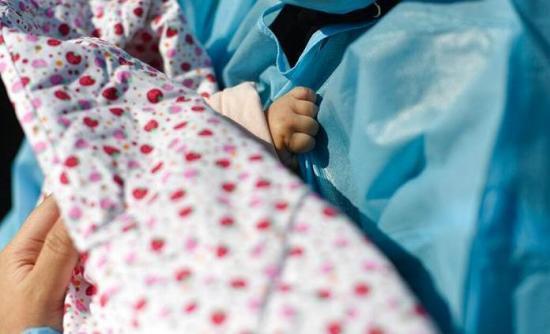 Una bebé muere tras ingerir sangre de tortuga contra el coronavirus