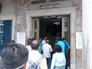 La Fiscalía allana las oficinas del Gobierno Provincial del Guayas por presunto caso de peculado