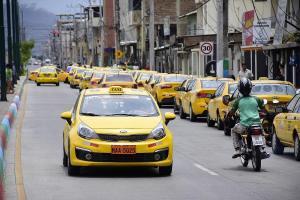 PORTOVIEJO: Desde hoy los taxistas podrán circular tres días a la semana