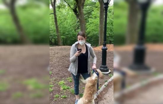 Mujer denunciada por acto racista en Nueva York se queda también sin perro
