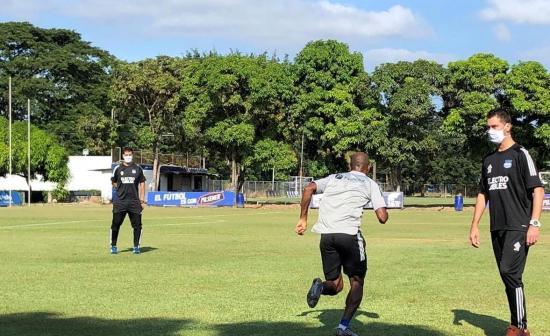 Emelec volvió a los entrenamientos en el Polideportivo de Los Samanes