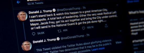 Trump tacha de matones a manifestantes y Twitter cree que glorifica violencia