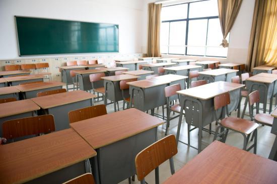 Inglaterra reabrirá sus escuelas pese a las advertencias de asesores científicos