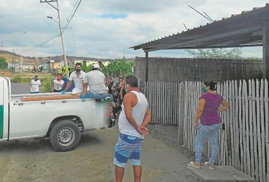 Mayo cerró con 10 suicidios en Manabí: Un hombre se envenenó hoy en Picoazá