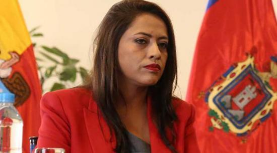 Fiscalía investiga a Paola Pabón por compra de fundas de cadáveres y pruebas rápidas de Covid-19